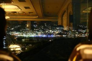 観覧席からの熱海の夜景(花火前)