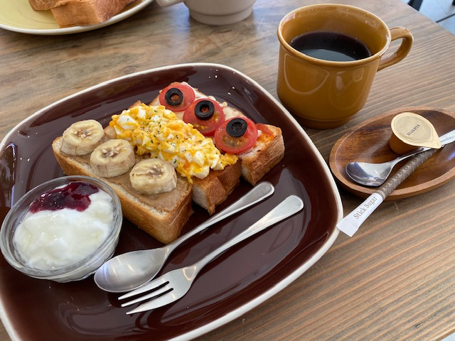 Cafe LIETO モーニング3連トースト