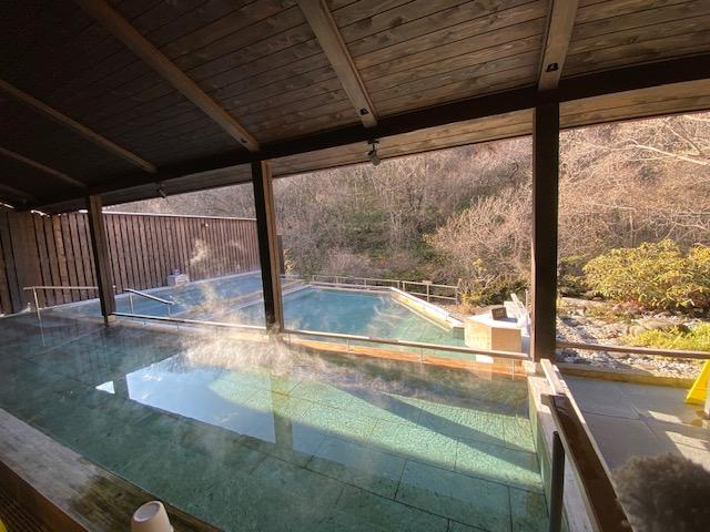滝の湯 渓流露天風呂1