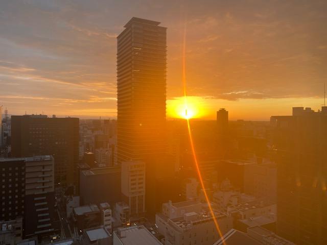 ヒルトン名古屋 客室からの朝日