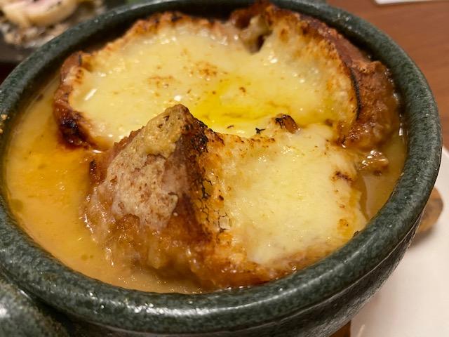 らしく 食べるオニオングラタンスープ2