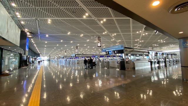 成田空港 出発ロビー1