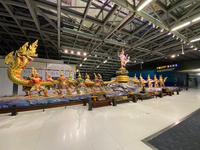 バンコク空港免税エリア1