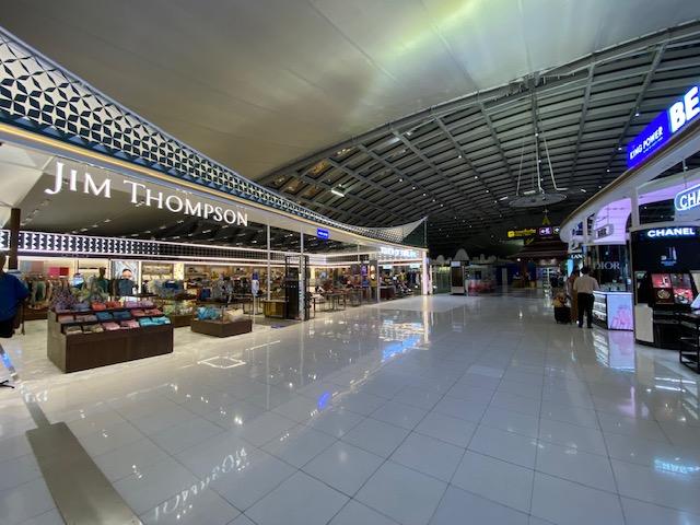 バンコク空港免税エリア13