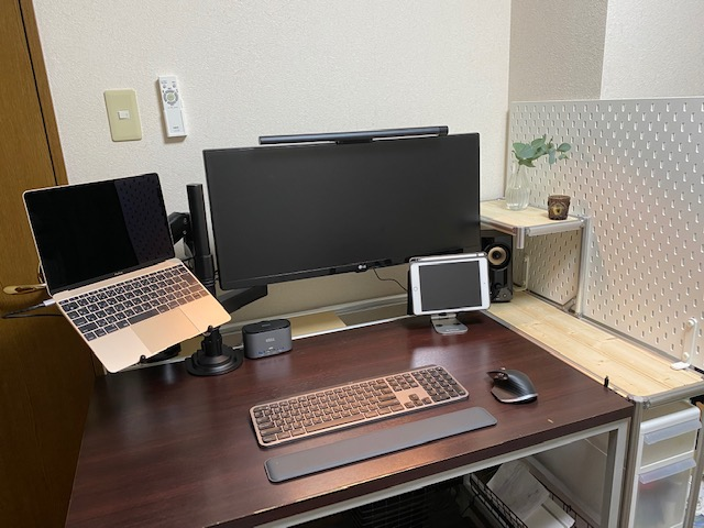 PCデスク周り自作棚 完成品1