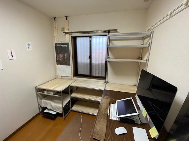 アルミフレームDIY PCデスク棚完成後部屋2